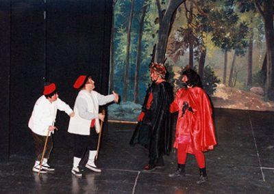 Pistolet i Josep Mª Tuset, Rovelló i Lluquet, davant Jordi Gasol i Josep Mª Rota, Llucifer i Satanàs.