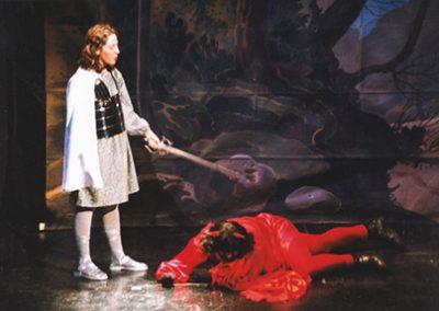 Rosa Serres, Sant Miquel, amb Josep Mª Rota, Satanàs, als seus peus.